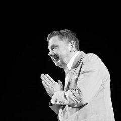 כוחו של הרגע הזה – ראיון עם המורה הרוחני אקהרט טולה